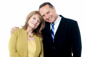 Adroable Love Senior Couple Posing